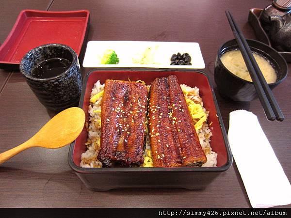 招牌鰻魚飯(2).jpg