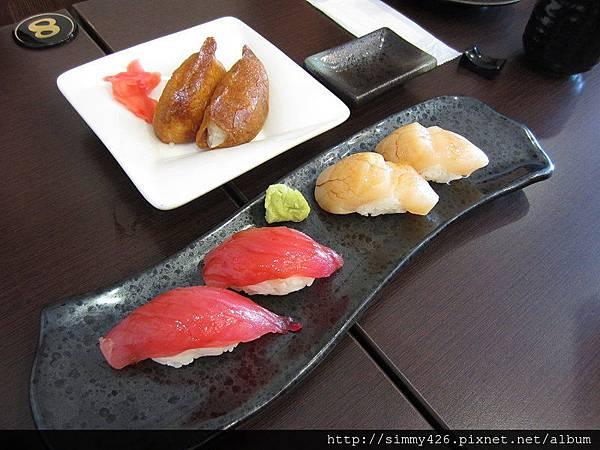 150620 鰻壽司 生干貝 & 鮪魚 & 豆皮壽司.jpg