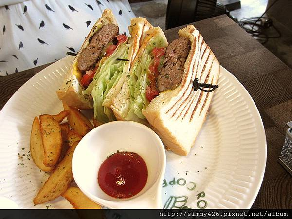 莎莎乳酪牛肉漢堡排 手桿麵包(1).jpg