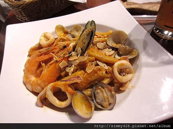 西西里特拉帕尼海鮮麻花捲麵.jpg