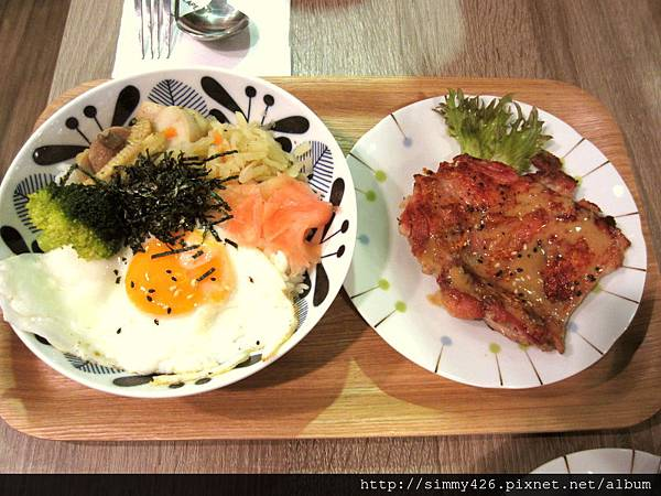 150910 貳號食茶 芝麻香煎雞腿排套餐(1).jpg