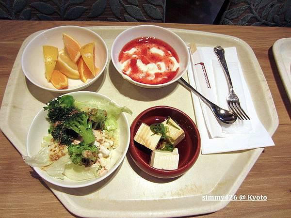飯店早餐(1).jpg