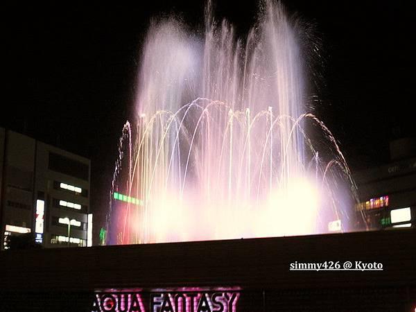 京都車站前燈光水舞(4).jpg