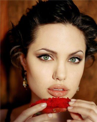 Angelina_Jolie_2.jpg