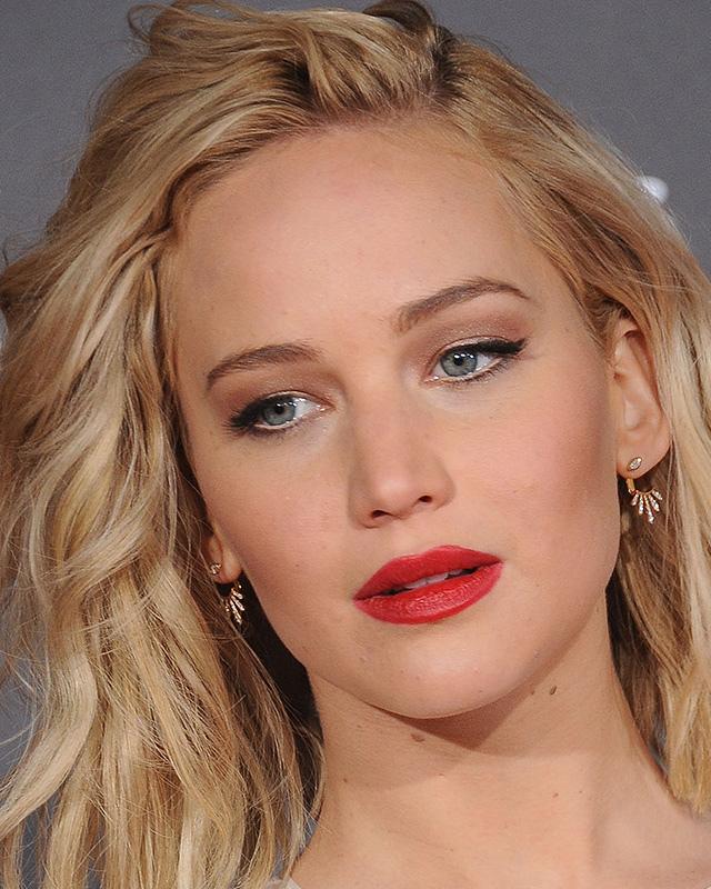 Jennifer-Lawrence-Red-Lips