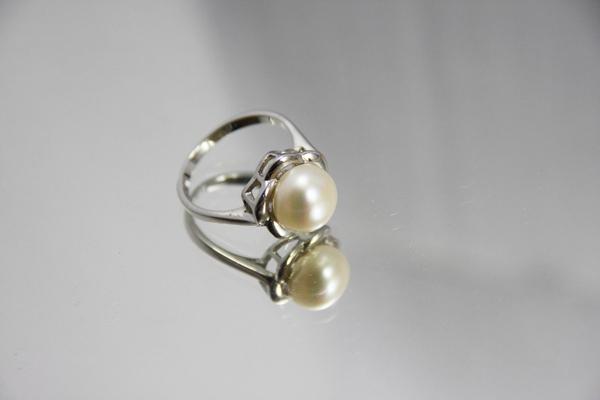 白K金 天然珍珠戒指 氣質出眾首.jpg