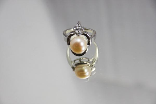 白K金 珍珠戒指 超人氣珍珠款〈人氣商品〉首圖.jpg