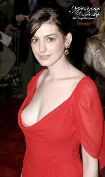 anne-hathaway-big-boobs.jpg