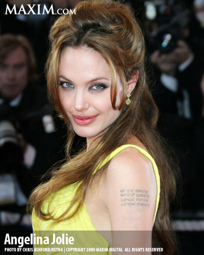 26-Angelina_Jolie_Hot100_l.jpg