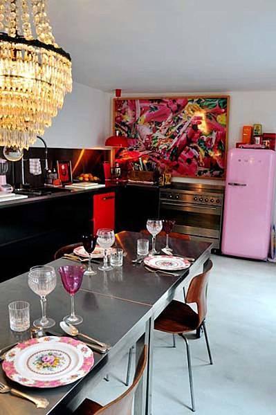 Vintage-Glam-in-an-Eclectic-Paris-Loft-7