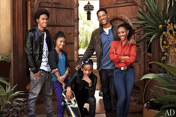 cn_image_size_will-jada-pinkett-smith-home-01-family-portrait