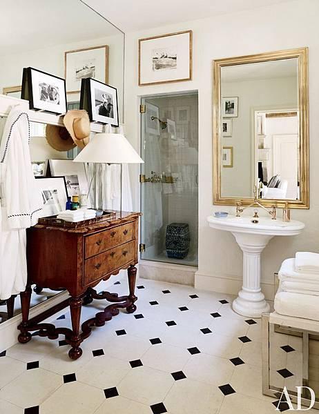 traditional-bathroom-bedford-new-york-201309-3_1000-watermarked