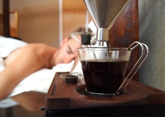 barisieur-alarm-clock-and-coffee-brewer-joshua-renouf-designboom-05.jpg