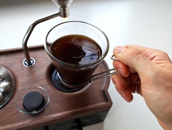 barisieur-alarm-clock-and-coffee-brewer-joshua-renouf-designboom-16.jpg