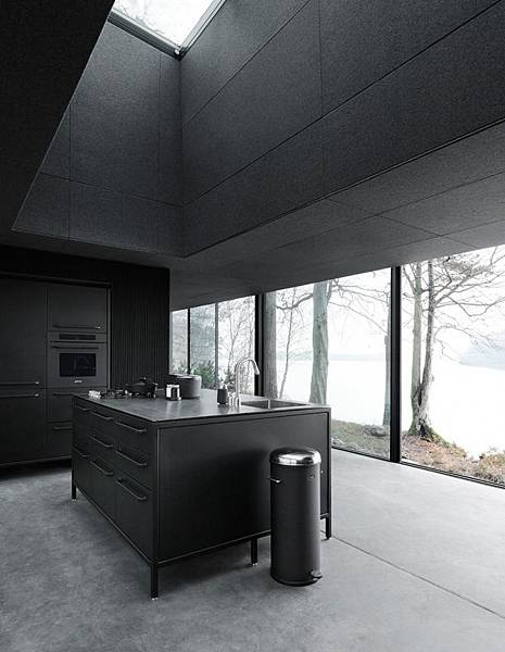 adaymag-vipp-the-shelter-02.jpg