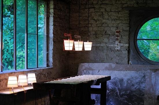 antoine-mege-baladeuse-lamp-hind-rabii-designboom-011.jpg