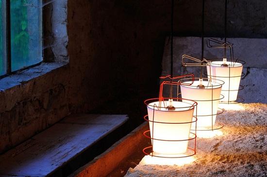 antoine-mege-baladeuse-lamp-hind-rabii-designboom-03.jpg
