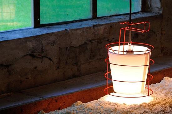 antoine-mege-baladeuse-lamp-hind-rabii-designboom-04.jpg
