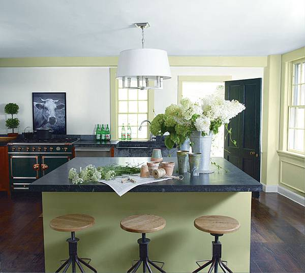 gallery-1460498589-whites-kitchen-030aw6.jpg