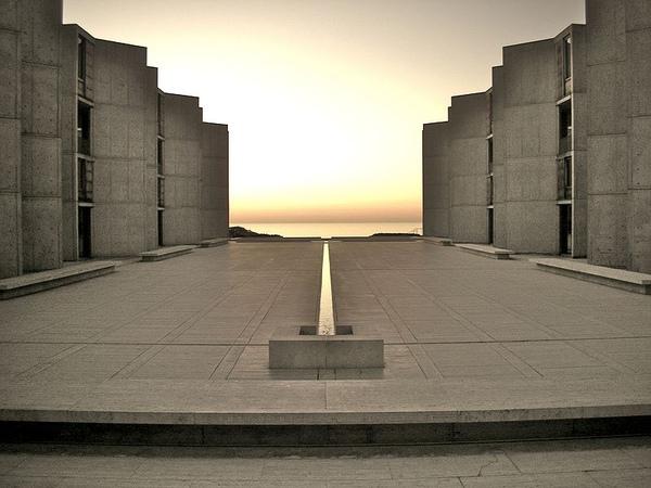 800px-Salk_Institute.jpg