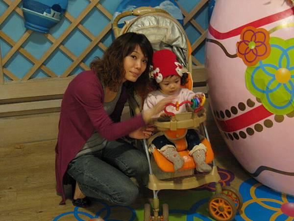 20110327義大世界購物廣場08.JPG