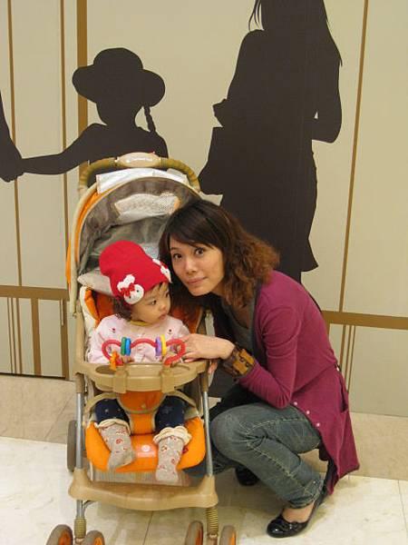 20110327義大世界購物廣場20.JPG