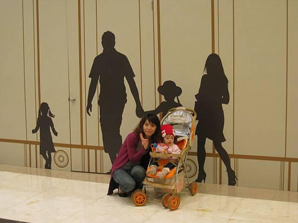 20110327義大世界購物廣場19.JPG