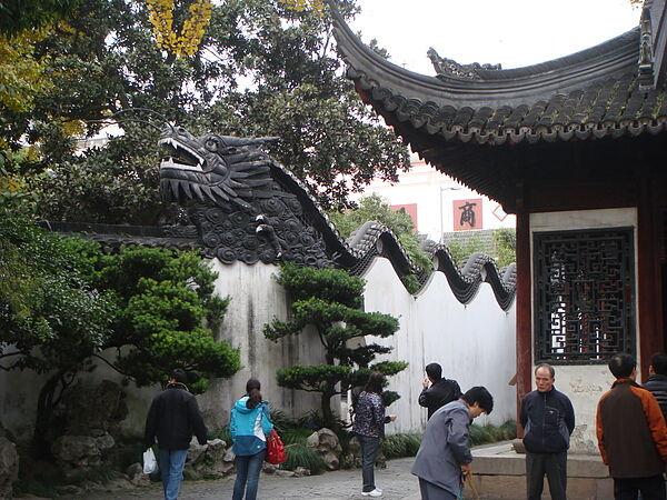 豫園~牆上有龍