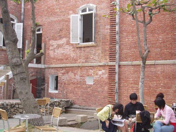 英國領事館的紅磚牆