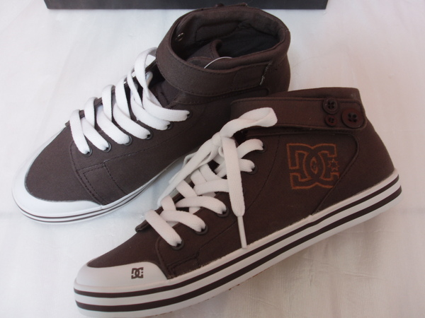 DC帆布鞋(咖啡色)