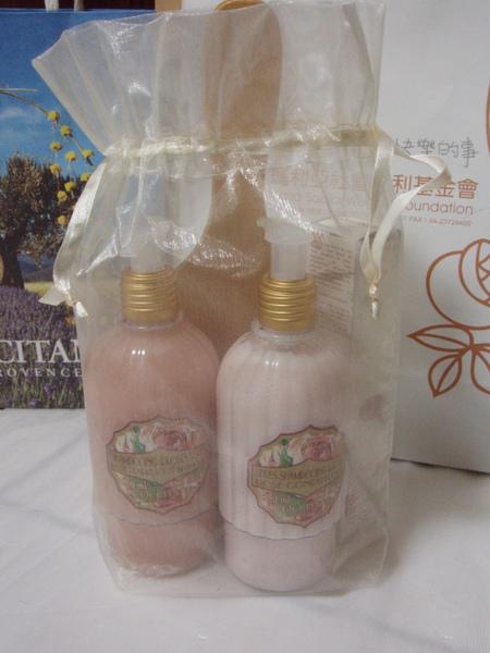 l'occitane2009母親節特惠組~玫瑰護髮禮