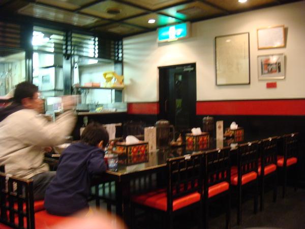 橫濱拉麵博物館~熊本こむらさき店內