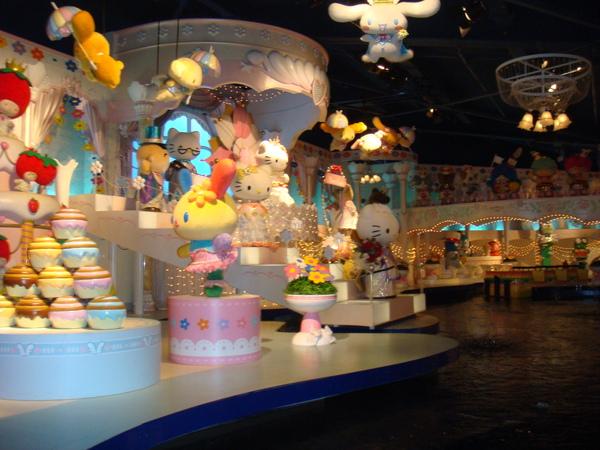 Hello Kitty樂園~搭遊園車