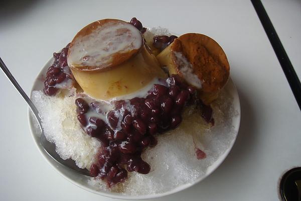 莉莉冰果室~布丁紅豆牛奶
