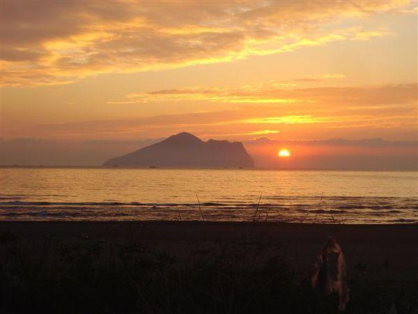 龜山島夕陽.jpg