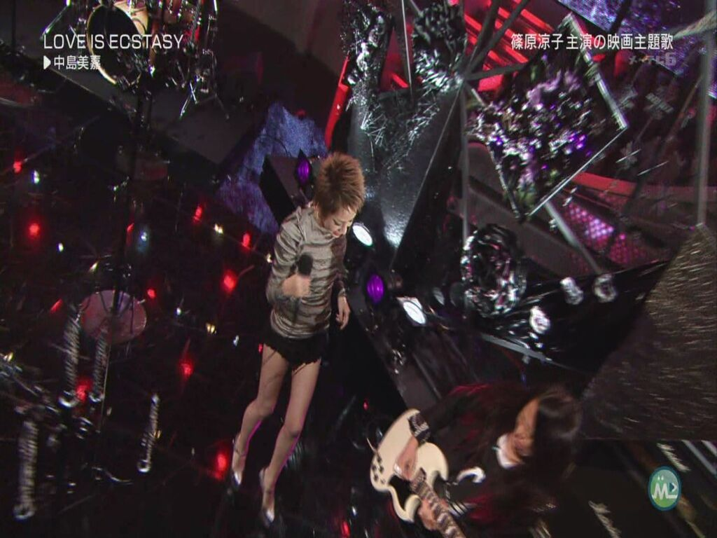 Mika Nakashima - LOVE IS ECSTASY (Music Station - 2011.09.09)[22-48-14].JPG