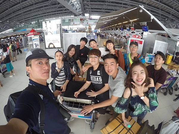 曼谷機場合照