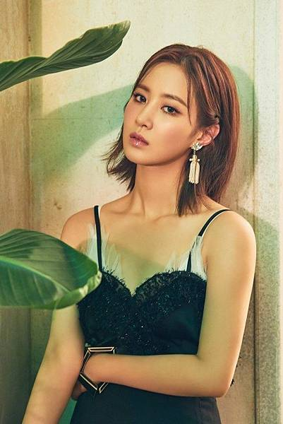 20180830-girls-generation-oh-gg-new-single-lil-touch-individual-conceptphoto04.jpg