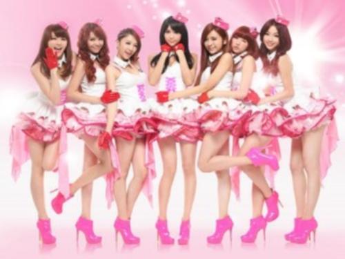 台灣7人組天氣女孩+1