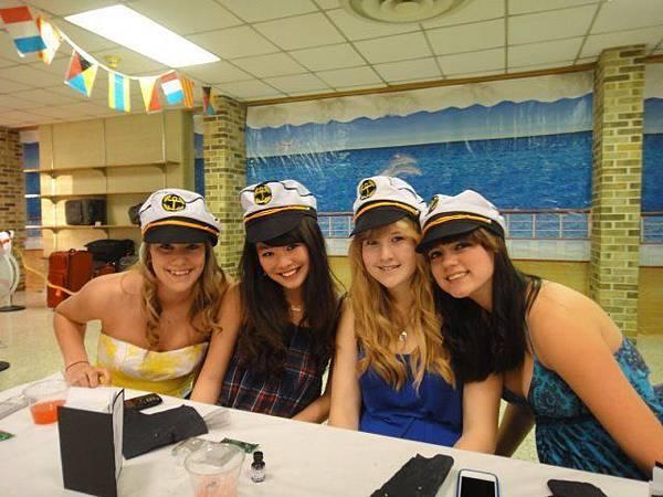Nicole with girlfriends