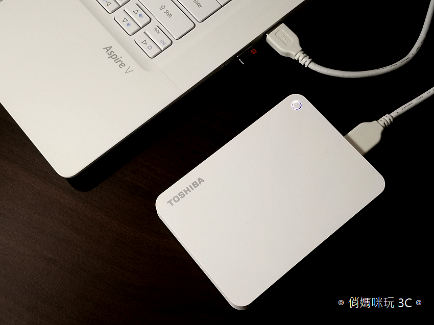 TOSHIBA Canvio Advance V9 1TB USB 3.0 2.5 吋外接式行動硬碟開箱 (4).png