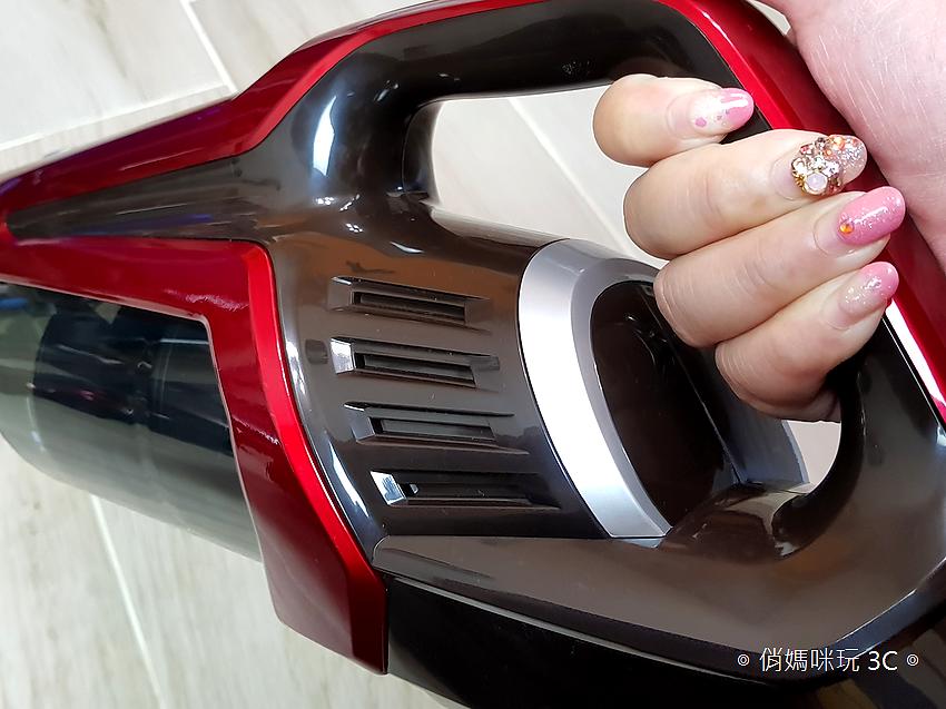 TiDdi 無線手持吸塵器 S116 開箱 (俏媽咪玩 3C) (14).png