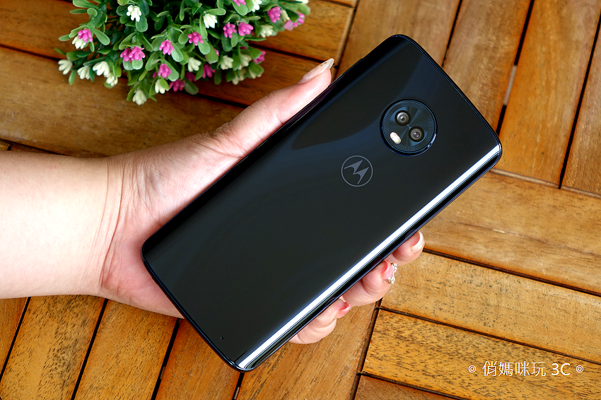 Motorola G6 Plus 開箱 (16).png