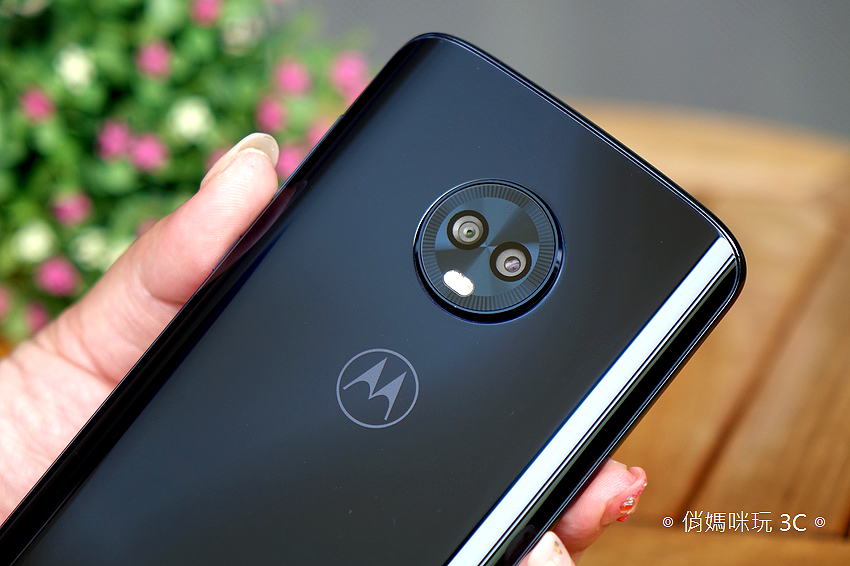 Motorola G6 Plus 開箱 (18).png