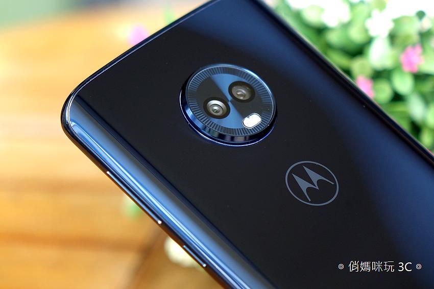 Motorola G6 Plus 開箱 (21).png