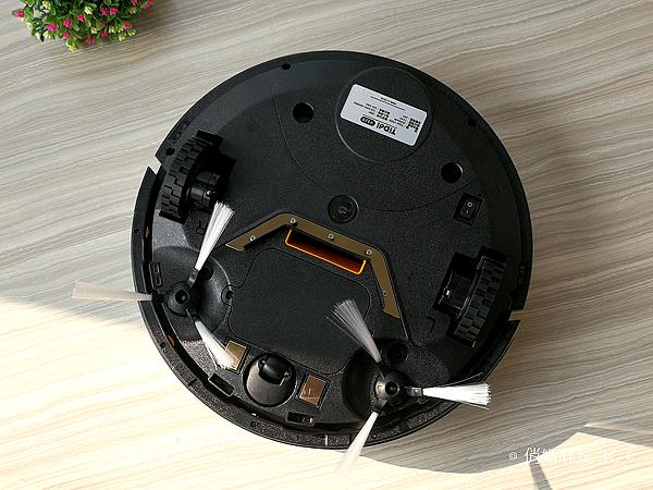 TiDdi 智慧型規劃清掃機器人 V320 開箱 (俏媽咪玩 3C) (34).png