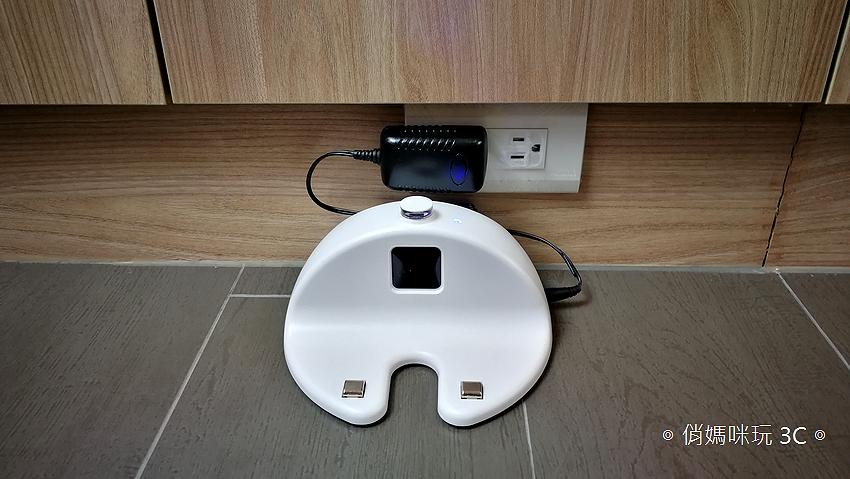 TiDdi 智慧型規劃清掃機器人 V320 開箱 (俏媽咪玩 3C) (35).png