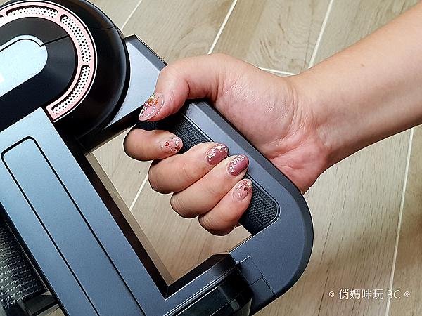 TiDdi 無線手持氣旋式吸塵器開箱 (俏媽咪玩3C) (26).png