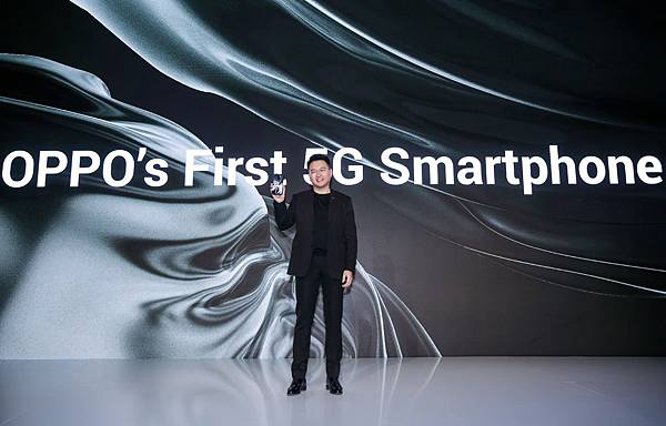 OPPO副總裁蔣安奕表示2019年OPPO也將不斷進行技術探索,整合包含5G和影像技術等領域的最新技術,為手機產業帶來影響深遠的改變,也於創新大會上宣布推出OPPO首款5G手機。