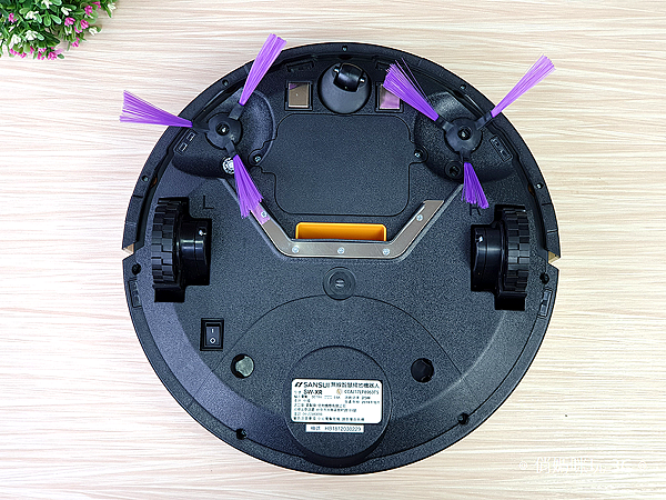 SANSUI 山水 SW-XR 清潔機器人開箱 (俏媽咪玩3C) (29).png